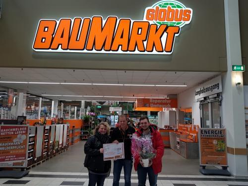 Globus Baumarkt Forchheim spendet für CrossOver