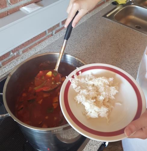 Schüler kochen für Schüler